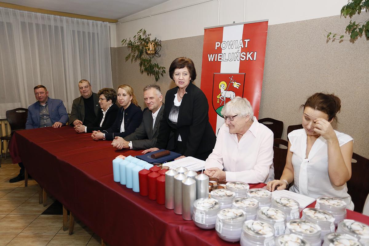 http://hydro.geo.uni.lodz.pl/uploads/images/Olimpiada/43OG/foto/_MG_2356.JPG